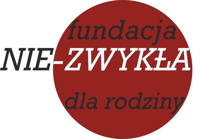"""Fundacja """" NIE-zwykła"""" dla Rodziny - logotyp/zdjęcie"""