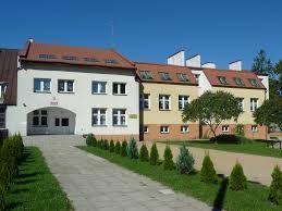 Szkoła Podstawowa w Nowych Łubkach - logotyp/zdjęcie