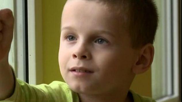 Pomóż Adriankowi pokonać mukowiscydozę i znaleźć rodziców - logotyp/zdjęcie